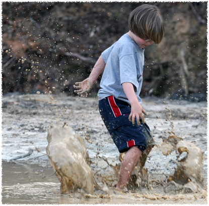 A_splashing_in_the_mud