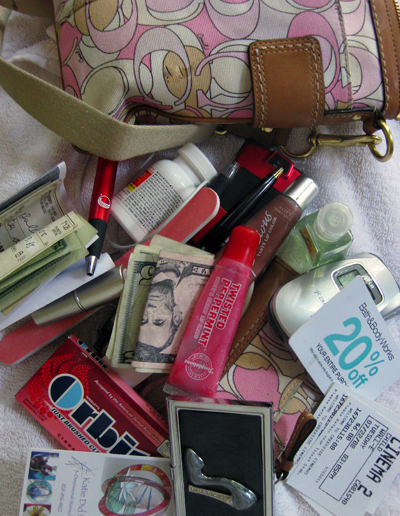 Contents_of_purse